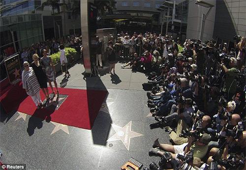 Kate Winslet tỏa sáng trên Đại lộ danh vọng - 10