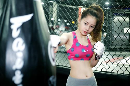 Ngẩn ngơ xem hot girl Việt khoe eo thon đẹp - 4