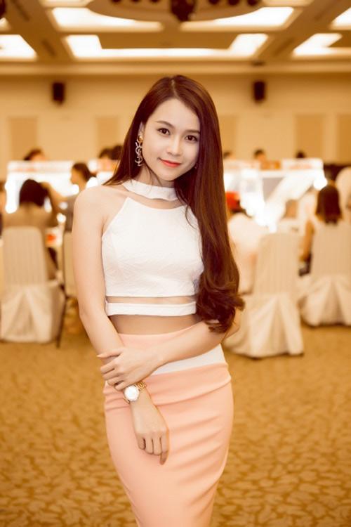 Ngẩn ngơ xem hot girl Việt khoe eo thon đẹp - 5