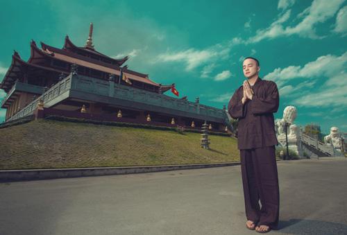 Cao Thái Sơn xuống tóc hát nhạc Phật - 1