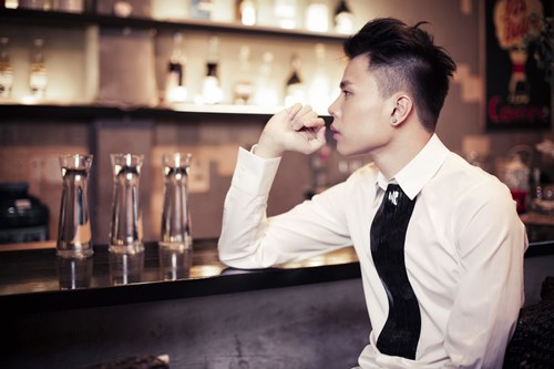 Thăng Bình tự viết kịch bản cho MV thất tình - 7