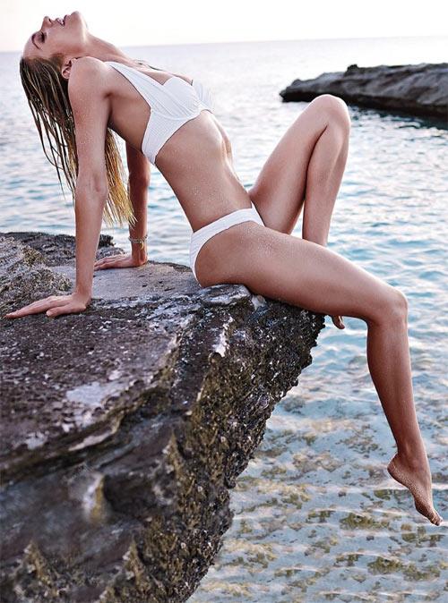 "Candice Swanepoel ""bốc cháy"" với bikini - 13"