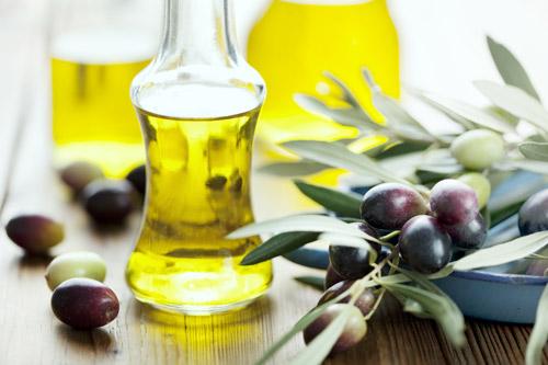 Mách khéo những mẹo làm đẹp từ dầu ô-liu - 1