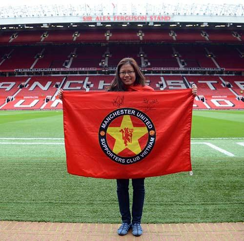 """""""Bi kịch"""" của fan Việt ngay tại Old Trafford - 4"""