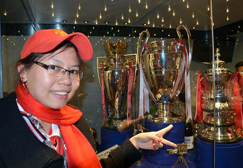 """""""Bi kịch"""" của fan Việt ngay tại Old Trafford - 2"""