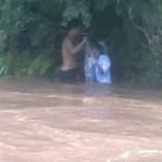 Tin tức trong ngày - Qua suối bằng túi bóng: Sở GD-ĐT lên tiếng