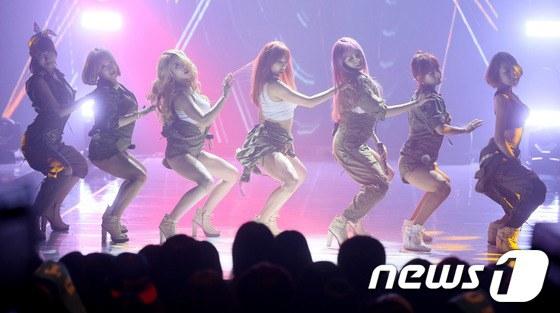 Kiều nữ Wonder Girls đua sexy cùng nhóm nhạc trẻ - 8