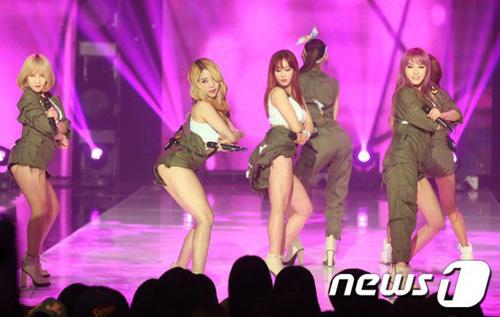 Kiều nữ Wonder Girls đua sexy cùng nhóm nhạc trẻ - 9