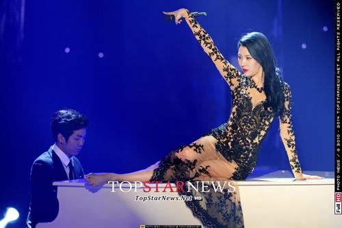 Kiều nữ Wonder Girls đua sexy cùng nhóm nhạc trẻ - 2