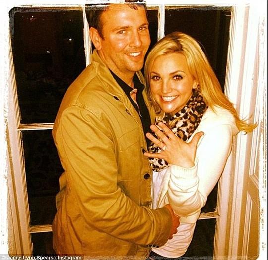 Em gái Britney Spears khoe ảnh cưới đẹp ngất ngây - 10