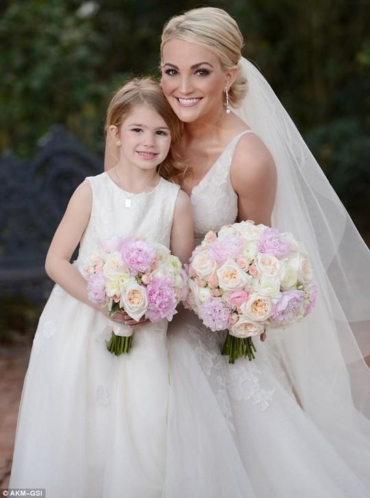 Em gái Britney Spears khoe ảnh cưới đẹp ngất ngây - 3
