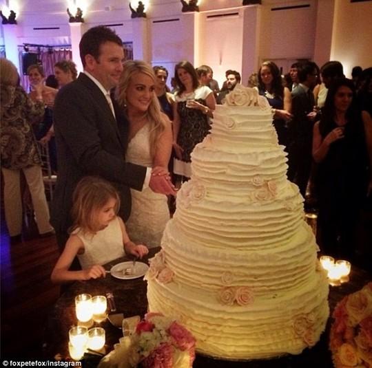 Em gái Britney Spears khoe ảnh cưới đẹp ngất ngây - 5