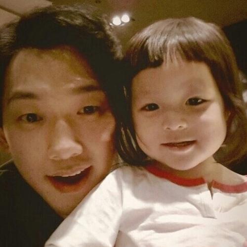 Cô bé 3 tuổi gây sốt màn ảnh Hàn - 14