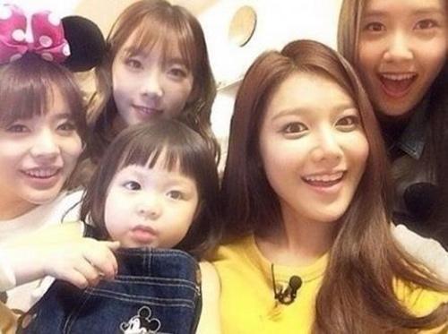 Cô bé 3 tuổi gây sốt màn ảnh Hàn - 16