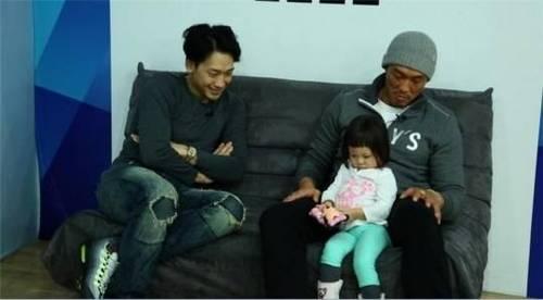 Cô bé 3 tuổi gây sốt màn ảnh Hàn - 13
