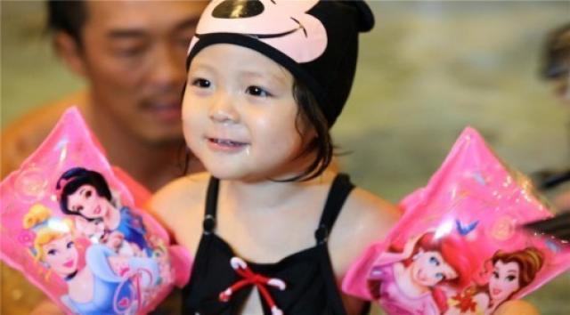 Cô bé 3 tuổi gây sốt màn ảnh Hàn - 7
