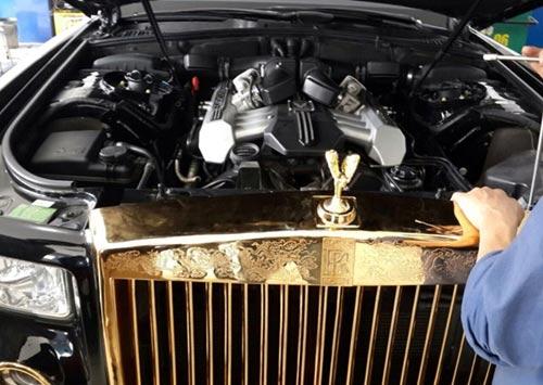 Rolls-Royce Phantom độ vàng 24k ở Hà Nội - 2