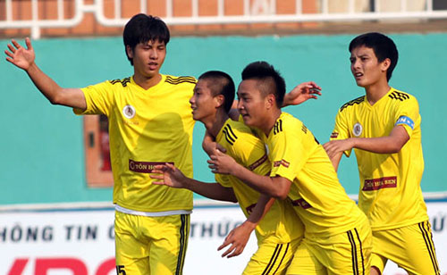 Chung kết giải U19: SLNA đấu Hà Nội.T&T - 2