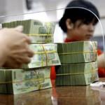 """Tài chính - Bất động sản - Tiền vào ngân hàng """"quay lưng"""" với kỳ hạn ngắn"""
