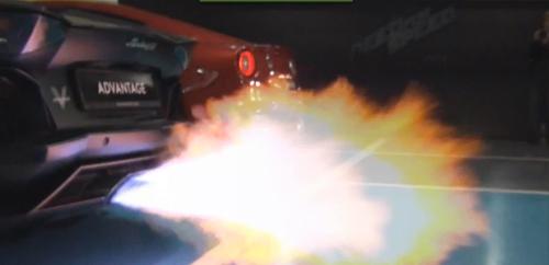 Video: Lamborghini Aventador khạc lửa dữ dội - 3