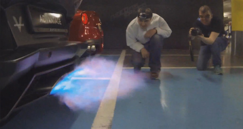 Video: Lamborghini Aventador khạc lửa dữ dội - 2