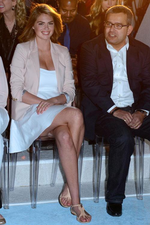 """Kate Upton kín đáo vẫn """"nóng"""" hừng hực - 1"""