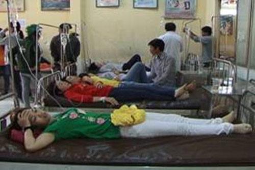 Hơn 150 công nhân nhập viện, nghi ngộ độc - 1