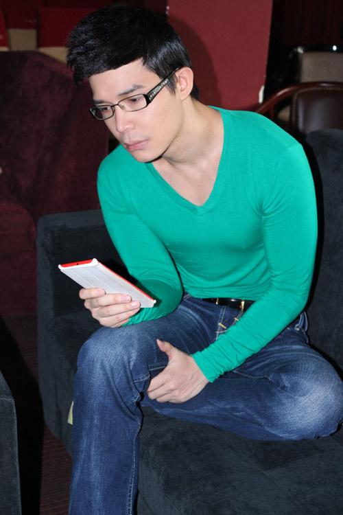 Nathan Lee lộ vẻ mệt mỏi sau scandal - 6