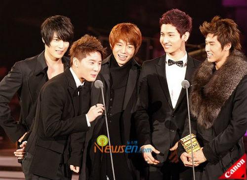 Big Bang: Cỗ máy kiếm tiền giỏi nhất Kpop 2013 - 4