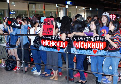 Nichkhun (2PM) lặng lẽ đến Việt Nam - 7