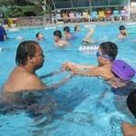 Giáo dục - du học - Dạy bơi ở trường học: Để biết bơi, khó lắm!