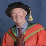 Bóng đá - Sir Alex được ĐH Ulster trao bằng Tiến sĩ danh dự