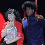 Mặt sau cánh gà - Ốc Thanh Vân hóa Michael Jackson niên thiếu