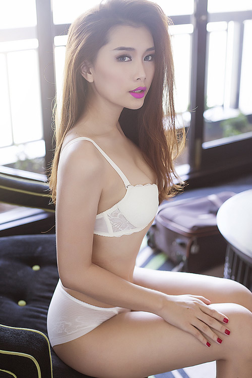 """Siêu vòng 3 Lan Hương """"đốt mắt"""" với nội y - 1"""