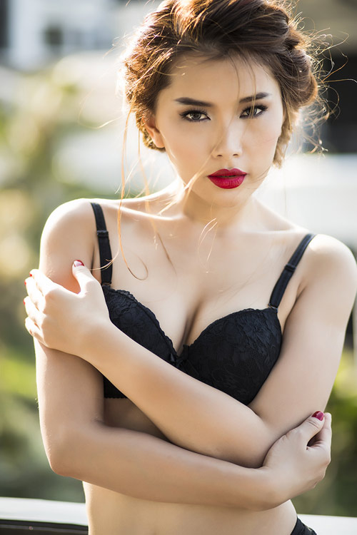 """Siêu vòng 3 Lan Hương """"đốt mắt"""" với nội y - 15"""