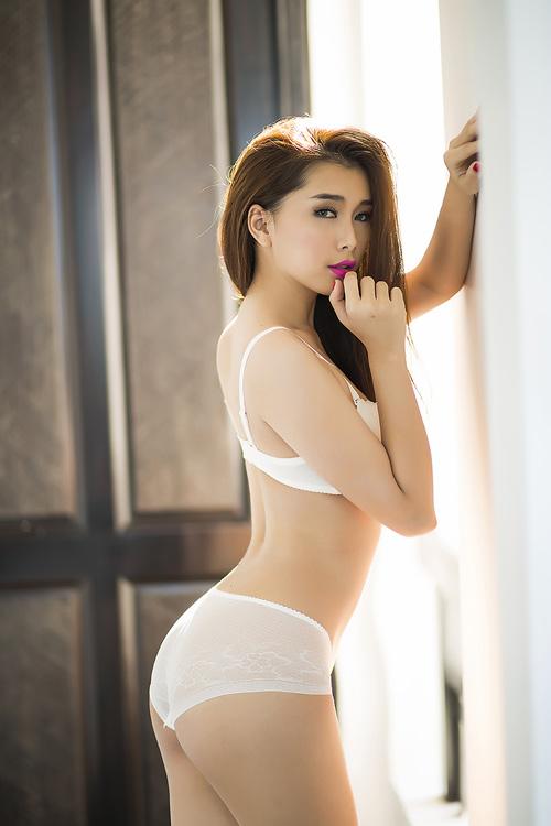 """Siêu vòng 3 Lan Hương """"đốt mắt"""" với nội y - 5"""