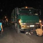 Tin tức trong ngày - Người đàn ông chết thảm dưới bánh xe chở rác