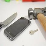 """Thời trang Hi-tech - """"Hành hạ"""" HTC One M8 mới ra mắt"""