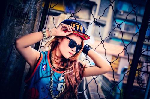 Diễm Hương The Voice phá cách hát nhạc 2NE1 - 2