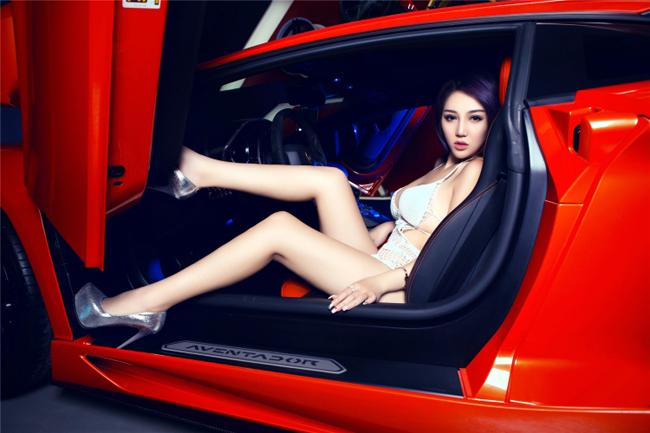 Chân dài sexy mặc áo lưới bên Lamborghini - 9