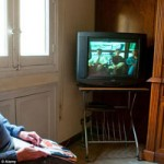 """Tin tức trong ngày - Đức: Xác chết ngồi """"xem"""" tivi suốt 6 tháng"""