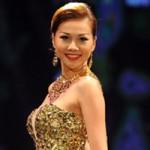 Thời trang - Thanh Hằng gợi cảm khoe vai trần