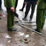 An ninh Xã hội - Côn đồ đâm chém đẫm máu ở cổng chợ Hạ Long 2