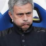 """Bóng đá - Dọa đấm trẻ con, Mourinho vẫn """"thoát tội"""""""