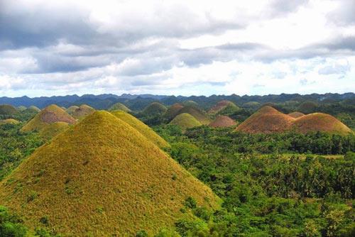 """Đẹp ngỡ ngàng ngọn đồi """"Sô-cô-la"""" ở Philippines - 2"""