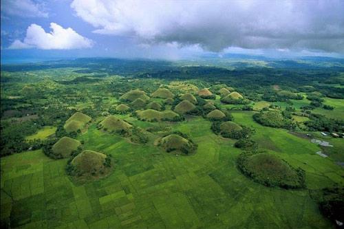 """Đẹp ngỡ ngàng ngọn đồi """"Sô-cô-la"""" ở Philippines - 3"""