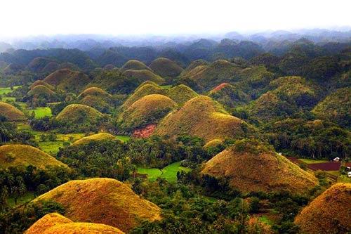 """Đẹp ngỡ ngàng ngọn đồi """"Sô-cô-la"""" ở Philippines - 12"""