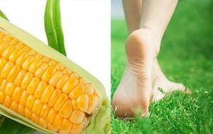 Đôi bàn chân mịn màng nhờ bột ngô