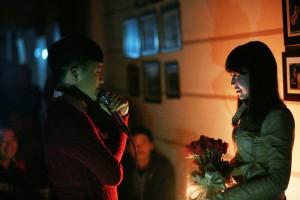9x Quảng Ninh cầu hôn lãng mạn trong quán cafe
