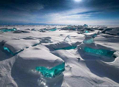 Kỳ vĩ của những hồ nước đóng băng trên thế giới - 3